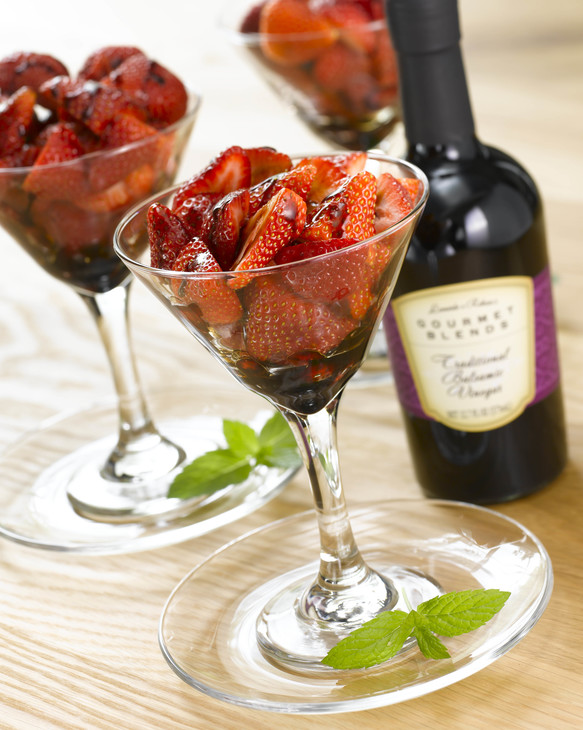 strawberries-with-traditional-balsamic-vinegar