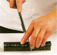Техника приготовления тонких роллов: фото шаг 7