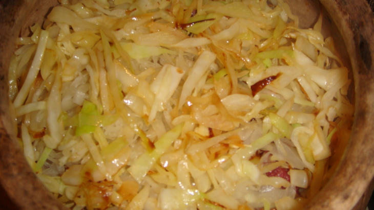 Рецепт тушеной капусты с мясом в духовке с пошагово