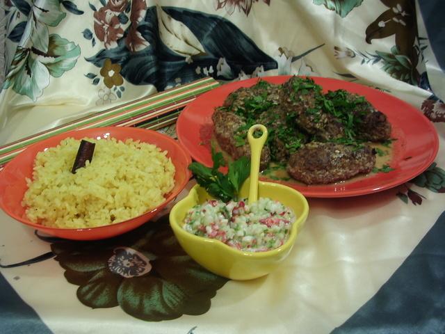 Лепешки индийские с дайконом (мули паратха) к шашлычкам из индейки (тикка-масала) с огуречной райтой, пошаговый рецепт с фото